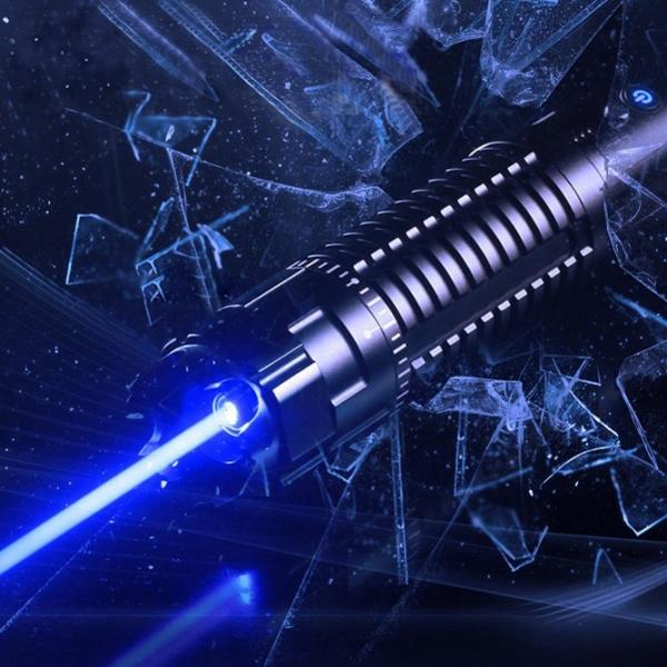 ( http://www.achatlaser.com/pointeur-laser-50000mw-bleu.html  )pointeur laser 50000mW bleu